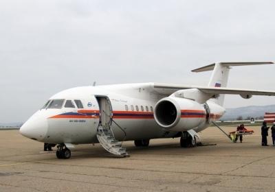 Спецборт МЧС России осуществляет санитарно-авиационную эвакуацию трёх тяжелобольных из Грозного и Симферополя в Нижний Новгород и Санкт-Петербург