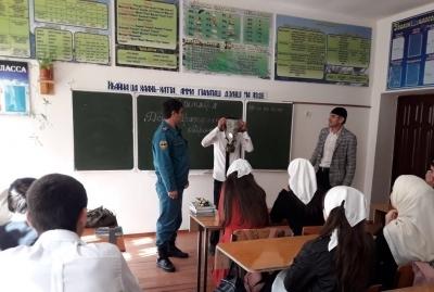 Школьников в Чечне обучили действиям при различных ЧС